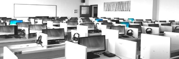 コールセンターの部屋イメージ